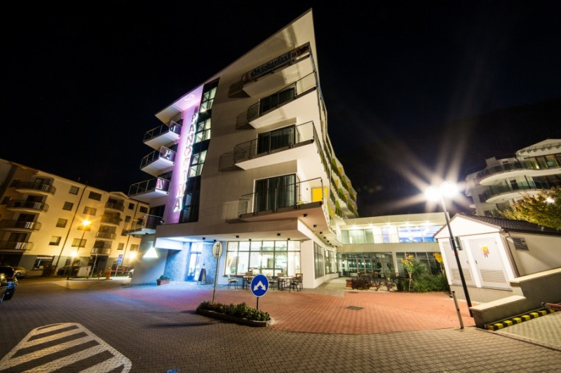 hotel panorama exterier noc
